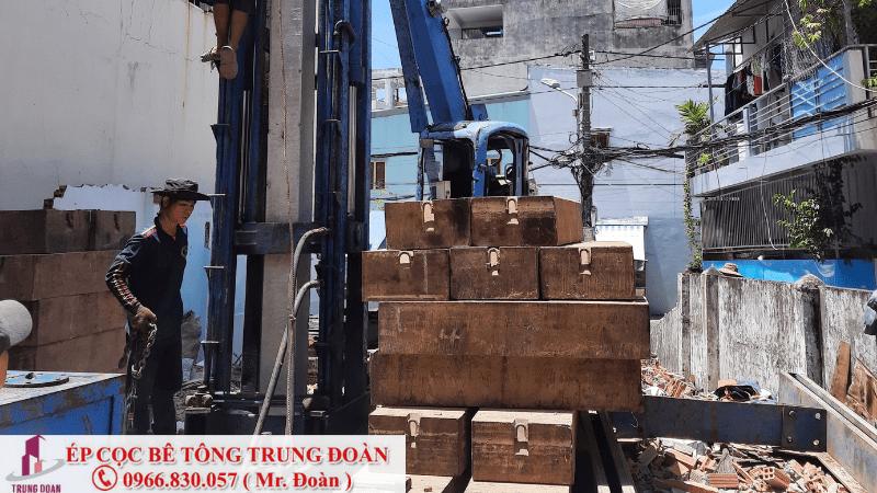 tải sắt ép cọc nặng bao nhiêu
