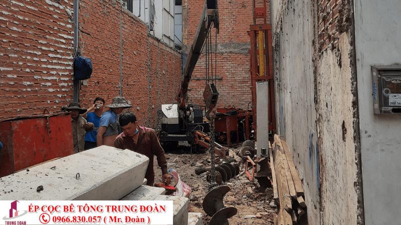 thi công ép cọc bê tông trong hẻm